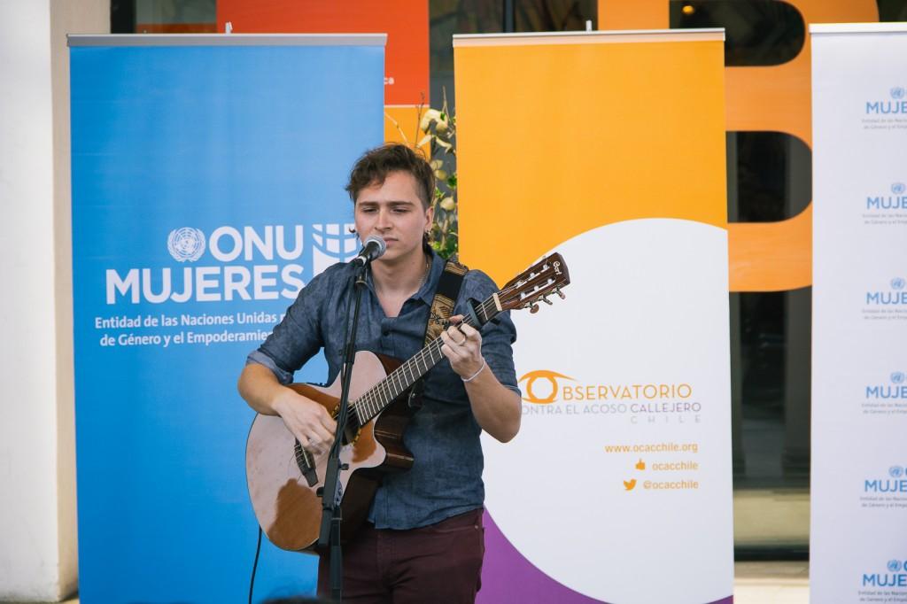 Vicente Sáiz, cantautor